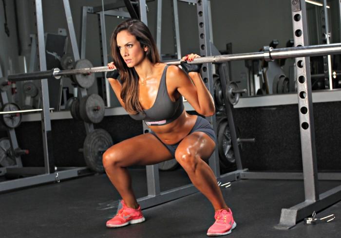 Упражнения с гантелями для женщин, девушек для спины, рук, грудных мышц, ягодиц, пресса, дома для начинающих