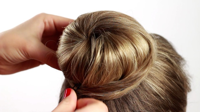 Пучок с помощью бублика на длинные, средние, короткие волосы. Как сделать красивый пучок. Фото, видео
