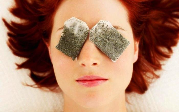 Как бороться с мешками под глазами в домашних условиях
