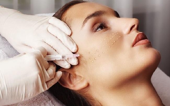 Биоревитализация лица, губ, рук, шеи, вокруг глаз. Эффект после процедуры. Цена. Фото до и после. Отзывы