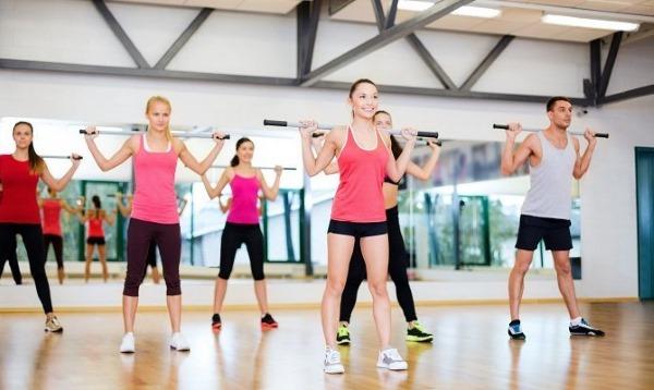 Комплекс упражнений с гимнастической палкой для детей, школьников, взрослых, пожилых людей