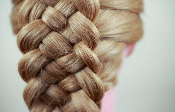 pletenie-kos-na-dlinnye-volosy-krasivye-19 Плетение кос: 50 способов плетения косичек