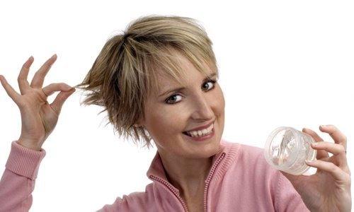 Воск для укладки волос для женщин и мужчин. Виды, как наносить спрей, крем, гель для фиксации. Рейтинг лучших косметических средств