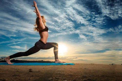 Йога для начинающих в домашних условиях