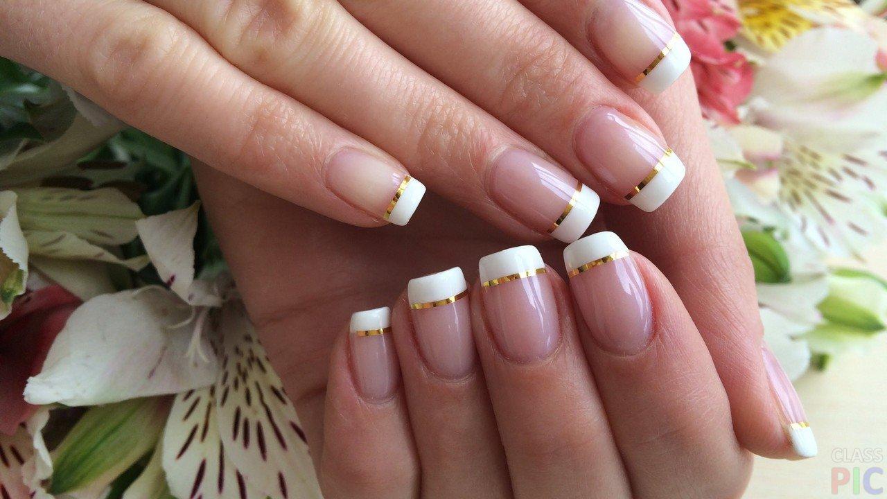 Дизайн ногтей с лентой для дизайна. Фото на короткие ...