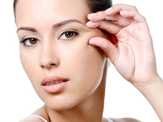Что надо сделать чтобы не было морщин возле глаз
