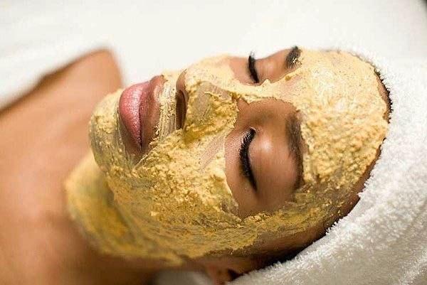 Как без вреда быстро отбелить кожу лица. Народные рецепты, кремы, скрабы, отбеливающие маски в домашних условиях