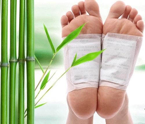 Лечение кожи на пятках от трещин в домашних условиях. Народные рецепты, аптечные средства, мази, медикаменты