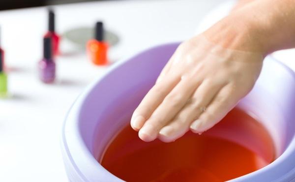 Парафиновые ванночки для рук и ног. Польза, инструкция по применению в домашних условиях, рецепты составов