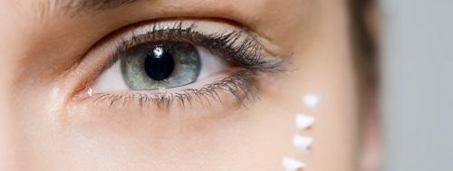 Средства для ухода за кожей вокруг глаз после 30, 40 лет. Рейтинг лучших косметических препаратов и народных рецептов