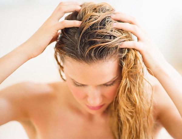 Жирные волосы. Причины, что делать от жирности, лечение народными средствами, шампуни, советы трихолога