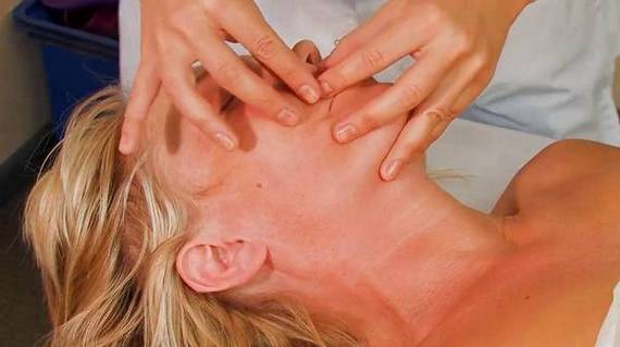 Буккальный массаж лица самостоятельно в домашних условиях. Обучение, техника проведения пошагово с фото