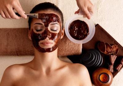 Как убрать рубцы от прыщей на лице косметическими и хирургическими процедурами, народными средствами в домашних условиях