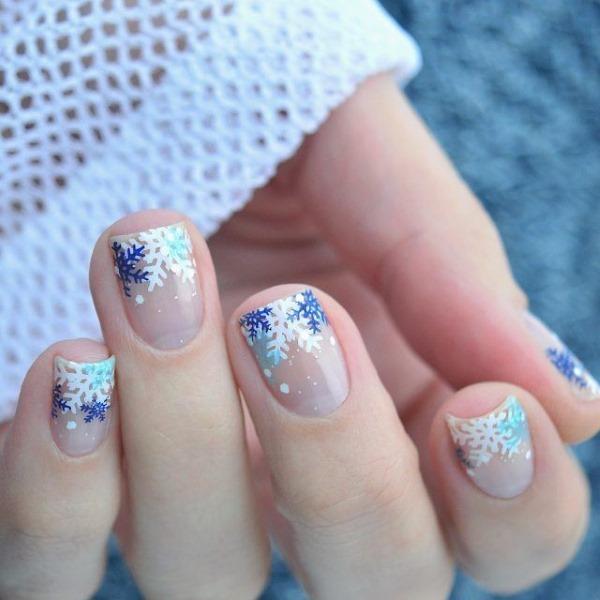 Голубой френч на ногтях. Фото новинок маникюра с рисунком, стразами, блестками, идеи дизайна весны, зимы и лета