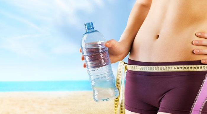 Как быстро вывести лишнюю воду из организма для похудения в домашних условиях