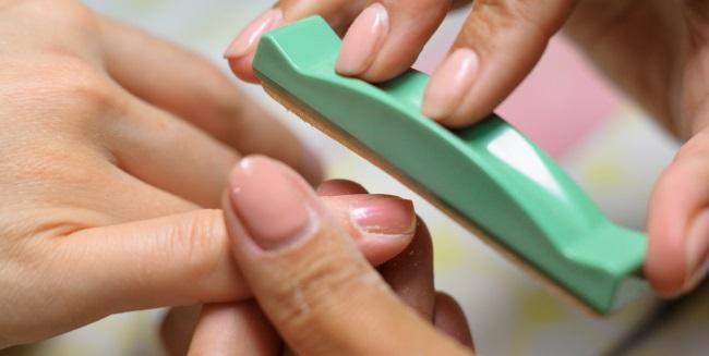 Ламинирование и укрепление ногтей в домашних условиях. Средства и инструкция