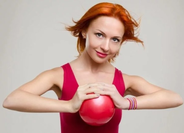 Как убрать растяжки на груди: при беременности, после родов, как избавиться кремами, маслами, мазями, народными средствами