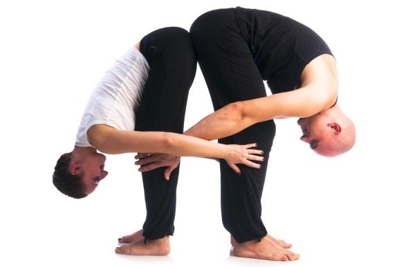 Йога челлендж на двоих, одного, троих. Фото позы для начинающих, детей. Видео