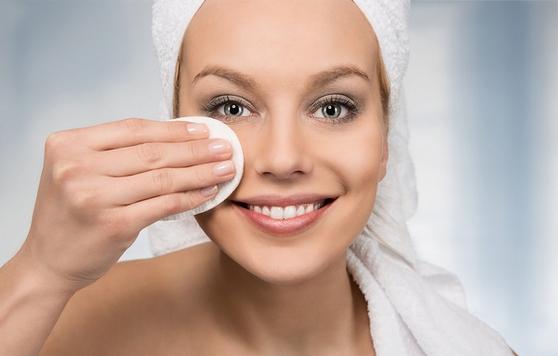 СС крем - что это, чем отличается от ВВ-крема, как выбрать и наносить на лицо. Лучшие СС-крема для разных типов кожи