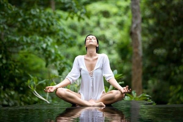 Йога для спины и позвоночника: особенности, показания и противопоказания, комплекс простых упражнений, лучшие асаны. Видео для начинающих