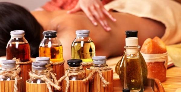 Масла для массажа и их свойства. Базовые и эфирные для эротического, антицеллюлитного, лечебного, омолаживающего