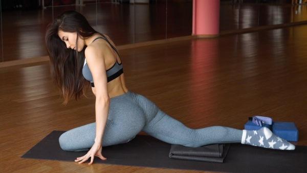 Стретчинг: что это такое, польза упражнений для похудения, фитнес для начинающих, детей, уроки с Екатериной Фирсовой
