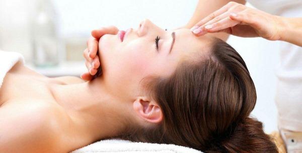 Массаж для женщин 40-50 лет ручной всего тела, лица от морщин. Виды, инструкции, фото, результаты