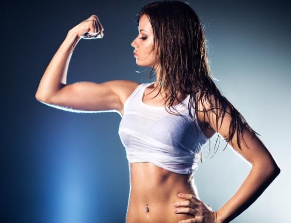 Упражнения на бицепс в тренажерном зале для девушек базовые. Программа тренировок на неделю