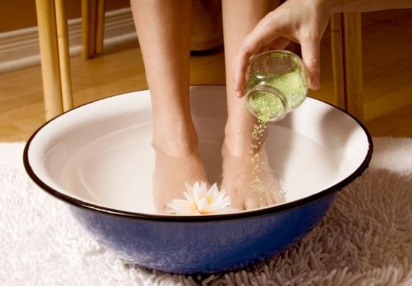 Ванна с солью. Польза и вред, рецепты с морской, поваренной, обычной пищевой