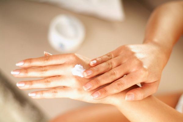 Профессиональные кремы для рук и ног в салон красоты. Цены и отзывы