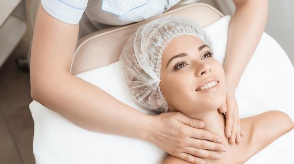 Лифтинг-массаж лица от профессионального косметолога. Видео, как делать самостоятельно