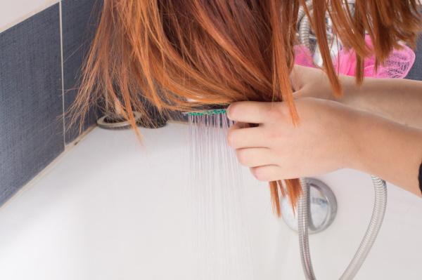 Тоники для волос укрепляющие, убирающие желтизну. Цены, отзывы, как пользоваться