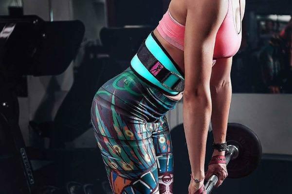 Упражнения для большой ягодичной мышцы женщине в тренажёрном зале, дома. Техника, фото