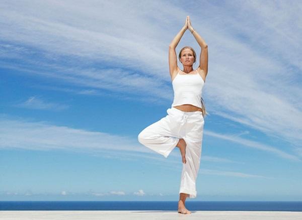 Упражнения йоги для начинающих простые, для похудения, спины и позвоночника