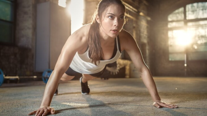 Берпи. Как выполнять для начинающих, техника, упражнения, программа тренировки