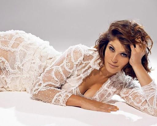 Джемма Артертон (Gemma Arterton). Фото в нижнем белье, купальнике, фигура, внешность, биография, личная жизнь