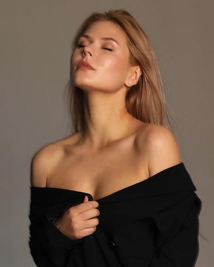 Софья Шуткина. Фото горячие в купальнике, нижнем белье, биография, личная жизнь, параметры фигуры