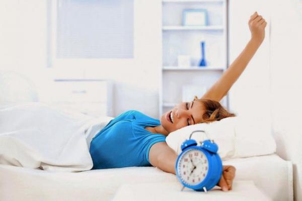 Как просыпаться рано утром легко и быть бодрым весь день