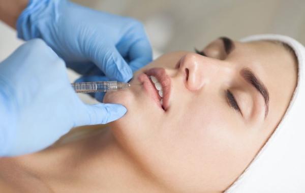 Тонкие губы у девушек. Как увеличить гиалуроновой кислотой, филлером, ботокс